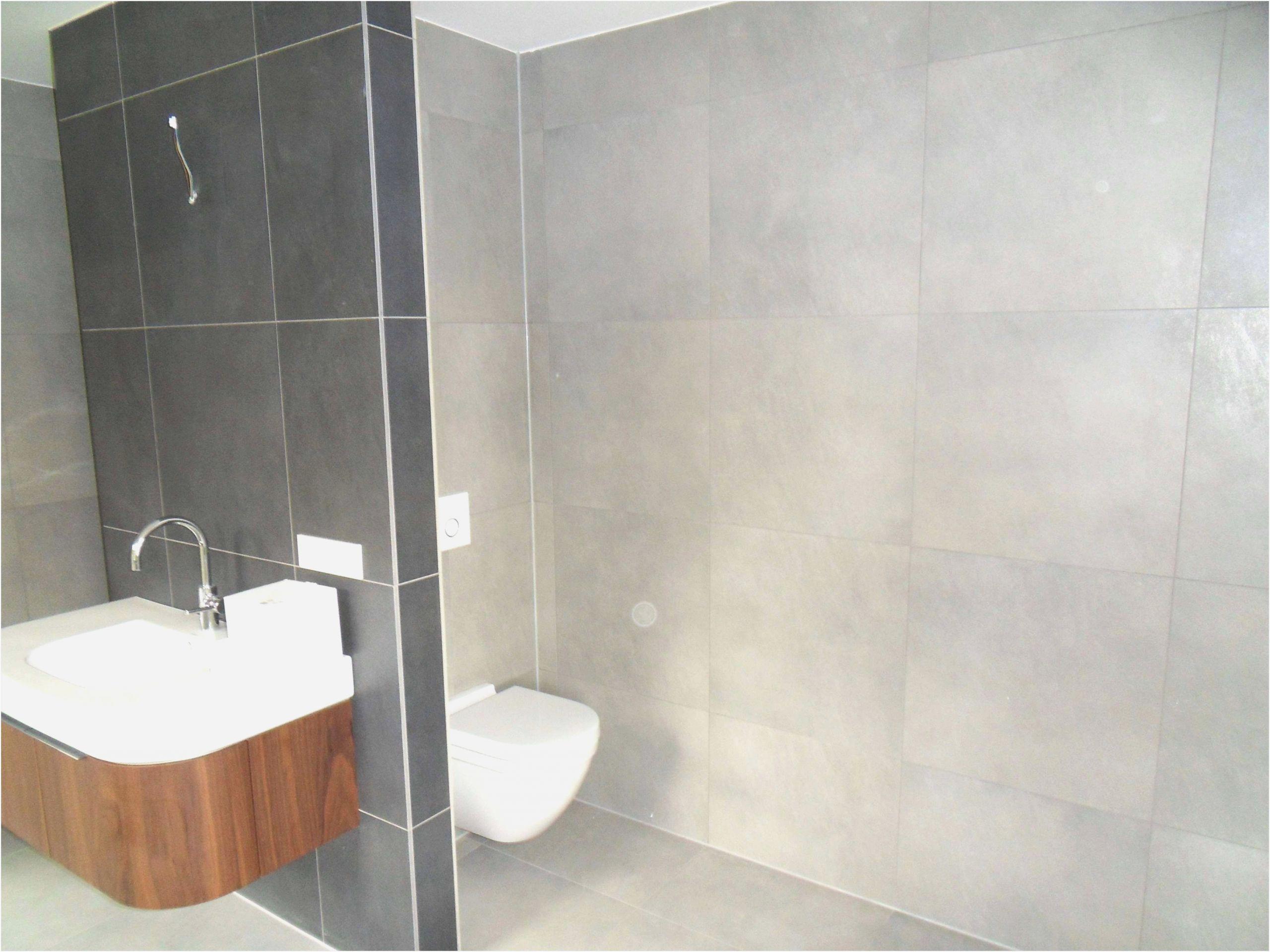 Badezimmer Fliesen Rutschfest Das Fliesen Eines Badezimmers Ankleidezimmer Traumhaus