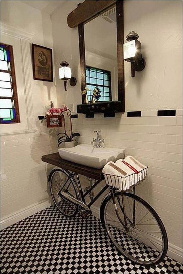 Vintage Badezimmer Deko Upcycling Konzept Mit Fahrrad Vintage Badezimmer Waschbecken