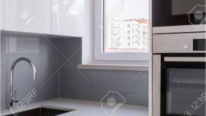 Küche Weiß Arbeitsplatte Schwarz Fliesen Kuche Grau