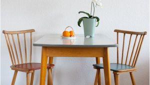 Küchentisch 60er Jahre Der Küchentisch Mit Kleiner Schublade Stammt Aus Den 50er