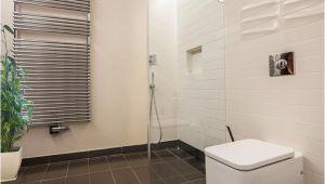 Wie Putzt Man Badezimmer Fliesen Dusche Reinigen Fliesen Fugen Und Duschkabine Ratgeber